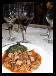 Corata bovina con spinaci - Vino: Rosso Umbria IGT 1563 - Castello di Solfagnano