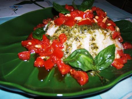 Cupola di riso con pesto e concassé di pomodori