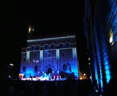 Life in Gubbio: Piazza grande