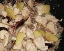 Petto di pollo con mela e radicchio