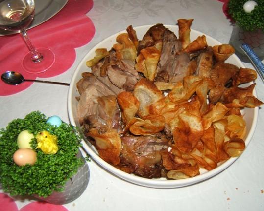 Agnello con patatine fiore