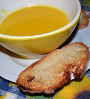 Crema di zucca gialla e porri