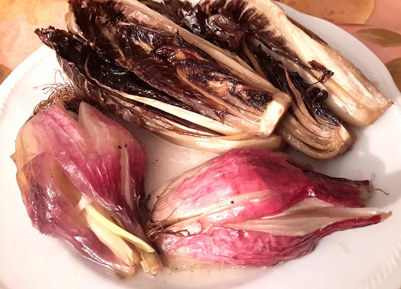 Cipolle di Tropea e radicchio trevigiano al cartoccio