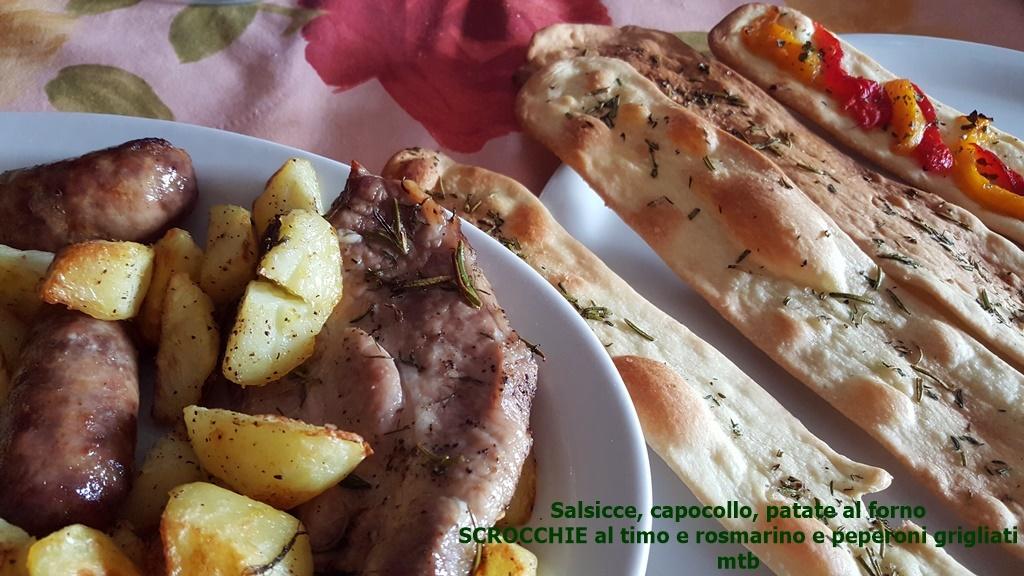 Salsicce, capocollo, patate al forno SCROCCHIE al timo e rosmarino e peperoni grigliati