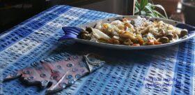 Baccalà in insalata con simil-giardinieria di cipolle, carote, olive, cetriolini